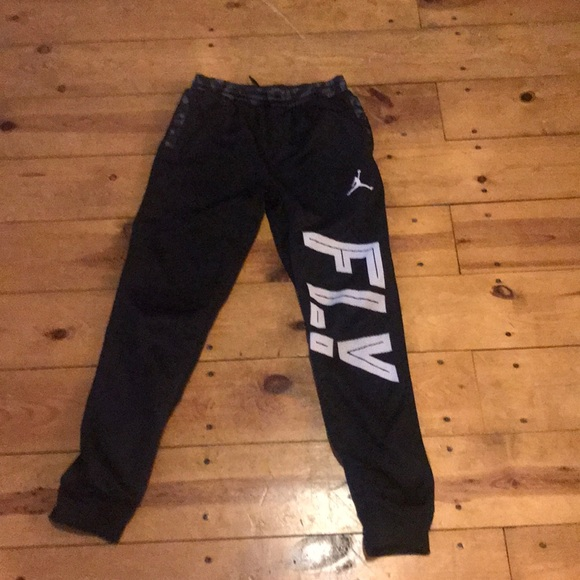 352ffa949d2670 Jordan Other - Jordan fly boys pants sz Large thermal fit sweats